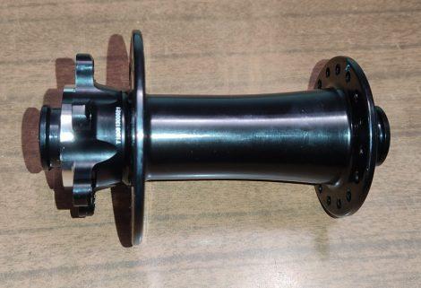 Agy első 15x110mm 32ly Novatec D791SB-15/110 Fekete 152g (logó nélküli)